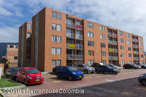 Apartamento En Arriendoen Cajica, Capellania, Colombia, CO RAH: 20-612