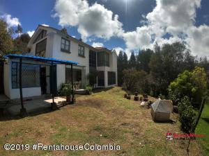 Casa En Arriendoen Bogota, Via A La Calera, Colombia, CO RAH: 20-623