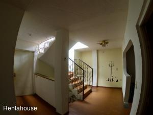 Casa En Ventaen Bogota, 20 De Julio, Colombia, CO RAH: 20-640
