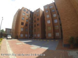 Apartamento En Ventaen Bogota, Modelia, Colombia, CO RAH: 20-647