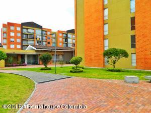 Apartamento En Ventaen Madrid, Hacienda Casablanca, Colombia, CO RAH: 20-654