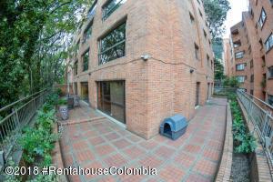 Apartamento En Ventaen Bogota, Los Rosales, Colombia, CO RAH: 20-697