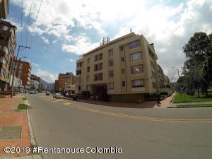 Apartamento En Arriendoen Bogota, San Patricio, Colombia, CO RAH: 20-709