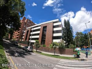 Apartamento En Ventaen Bogota, Chico, Colombia, CO RAH: 20-732