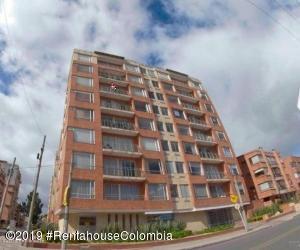 Apartamento En Arriendoen Bogota, Chico Norte, Colombia, CO RAH: 20-735