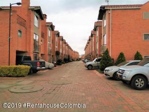 Casa En Arriendoen Mosquera, Panorama Del Campo, Colombia, CO RAH: 20-752
