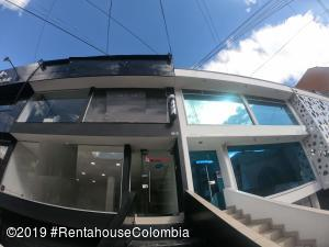 Local Comercial En Ventaen Bogota, Santa Barbara Central, Colombia, CO RAH: 20-754