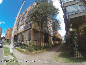 Apartamento En Ventaen Bogota, Pontevedra, Colombia, CO RAH: 20-784