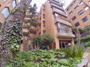 Apartamento En Ventaen Bogota, Los Rosales, Colombia, CO RAH: 20-797