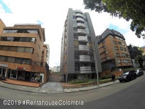 Apartamento En Ventaen Bogota, Chico, Colombia, CO RAH: 20-804
