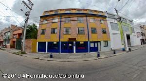 Apartamento En Ventaen Bogota, San Antonio Norte, Colombia, CO RAH: 20-830