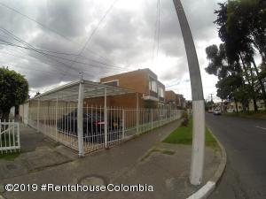 Casa En Ventaen Bogota, Modelia Occidental, Colombia, CO RAH: 20-833