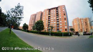 Apartamento En Ventaen Bogota, Colina Campestre, Colombia, CO RAH: 20-844