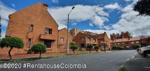 Casa En Ventaen Bogota, Colina Campestre, Colombia, CO RAH: 20-853
