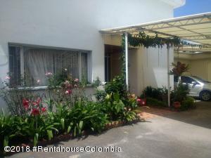 Casa En Arriendoen Bogota, San Jose De Bavaria, Colombia, CO RAH: 20-872