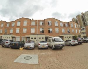 Casa En Ventaen Bogota, Pinar De Suba, Colombia, CO RAH: 20-875