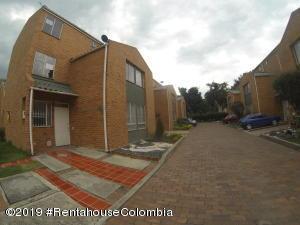 Casa En Ventaen Bogota, Mazuren, Colombia, CO RAH: 20-876