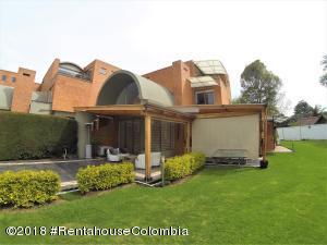 Casa En Ventaen Bogota, San Jose De Bavaria, Colombia, CO RAH: 20-881
