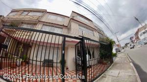Casa En Ventaen Bogota, Santa Ana Usaquen, Colombia, CO RAH: 20-883