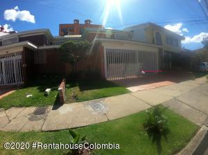Casa En Arriendoen Bogota, Malibu, Colombia, CO RAH: 20-886