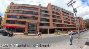 Oficina En Ventaen Bogota, Chico, Colombia, CO RAH: 20-899