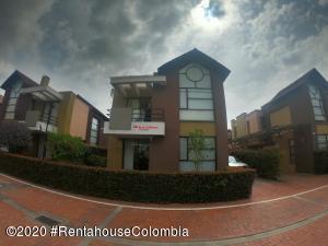 Casa En Ventaen Cajica, La Estacion, Colombia, CO RAH: 20-954