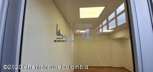 Oficina En Arriendoen Bogota, Santa Barbara Occidental, Colombia, CO RAH: 20-936