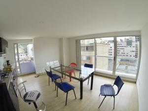 Apartamento En Ventaen Bogota, Las Nieves, Colombia, CO RAH: 20-937