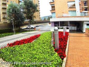 Apartamento En Arriendoen Bogota, La Calleja, Colombia, CO RAH: 20-940
