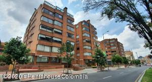 Apartamento En Ventaen Bogota, Chico, Colombia, CO RAH: 20-921