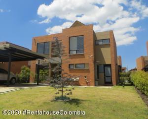 Casa En Ventaen Chia, Hacienda Fontanar, Colombia, CO RAH: 20-983
