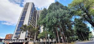 Apartamento En Arriendoen Bogota, La Carolina, Colombia, CO RAH: 20-1007