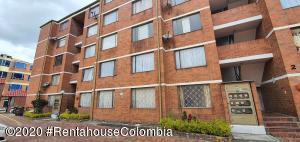 Apartamento En Arriendoen Bogota, Campanela, Colombia, CO RAH: 20-1009