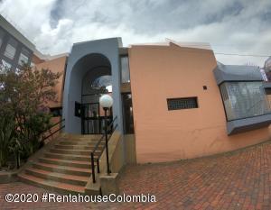 Casa En Arriendoen Bogota, La Calleja, Colombia, CO RAH: 20-1039