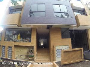 Apartamento En Ventaen Bogota, Nueva Autopista, Colombia, CO RAH: 20-421