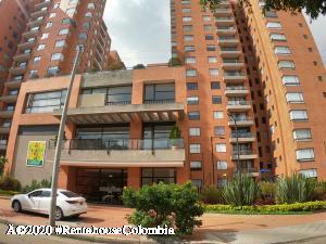 Apartamento En Ventaen Bogota, Mazuren, Colombia, CO RAH: 20-1068
