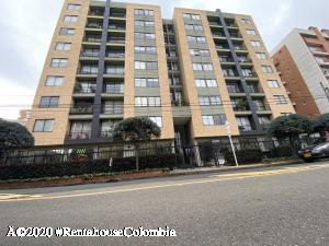 Apartamento En Arriendoen Bogota, Cedritos, Colombia, CO RAH: 20-1081