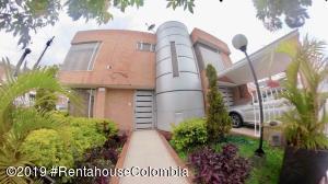 Casa En Ventaen Bogota, Batan, Colombia, CO RAH: 20-1097