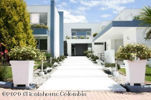Casa En Ventaen Chia, Cerros De Yerbabuena, Colombia, CO RAH: 20-1111