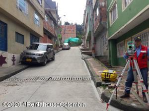 Terreno En Ventaen Bogota, Suba Naranjos, Colombia, CO RAH: 20-1114