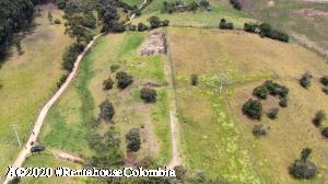 Terreno En Ventaen Tabio, Vereda Rio Frio, Colombia, CO RAH: 20-1137