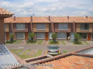 Casa En Arriendoen Chia, 20 De Julio, Colombia, CO RAH: 20-1133