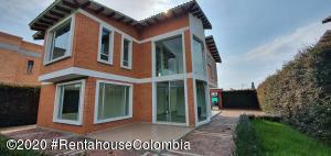 Casa En Ventaen Cajica, La Estacion, Colombia, CO RAH: 20-1143