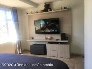 Casa En Ventaen Bogota, Santa Isabel Sur, Colombia, CO RAH: 20-1160