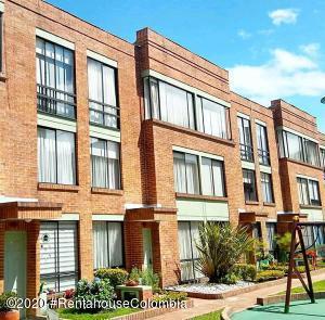 Casa En Ventaen Bogota, Colina Campestre, Colombia, CO RAH: 20-1210