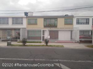 Casa En Arriendoen Bogota, Alcazares, Colombia, CO RAH: 20-1245
