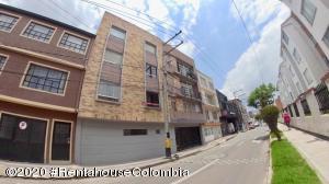 Apartamento En Ventaen Bogota, Barrancas Norte, Colombia, CO RAH: 20-857