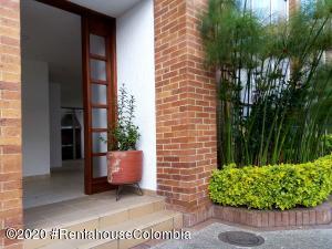 Casa En Arriendoen Chia, Sabana Centro, Colombia, CO RAH: 20-1310