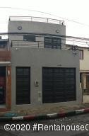 Casa En Ventaen Bogota, San Antonio Norte, Colombia, CO RAH: 20-1327