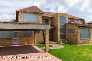 Casa En Arriendoen Cajica, Calahorra, Colombia, CO RAH: 20-1347